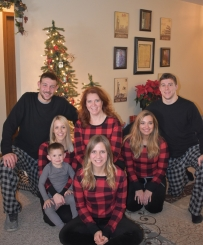 Mom, my 2 brothers+significant others, Levi (all gray)
